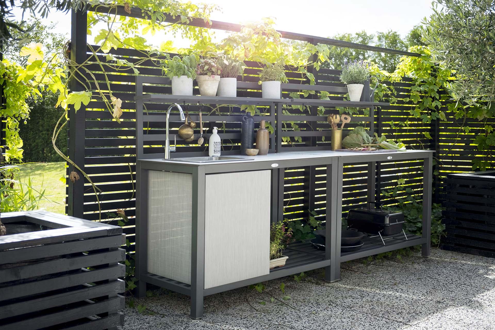 luksus udek kken med vask i aluminium h j kvalitet til billige penge. Black Bedroom Furniture Sets. Home Design Ideas