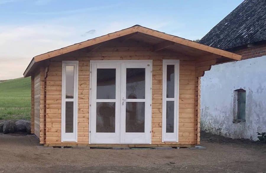 mindre bjælkehus