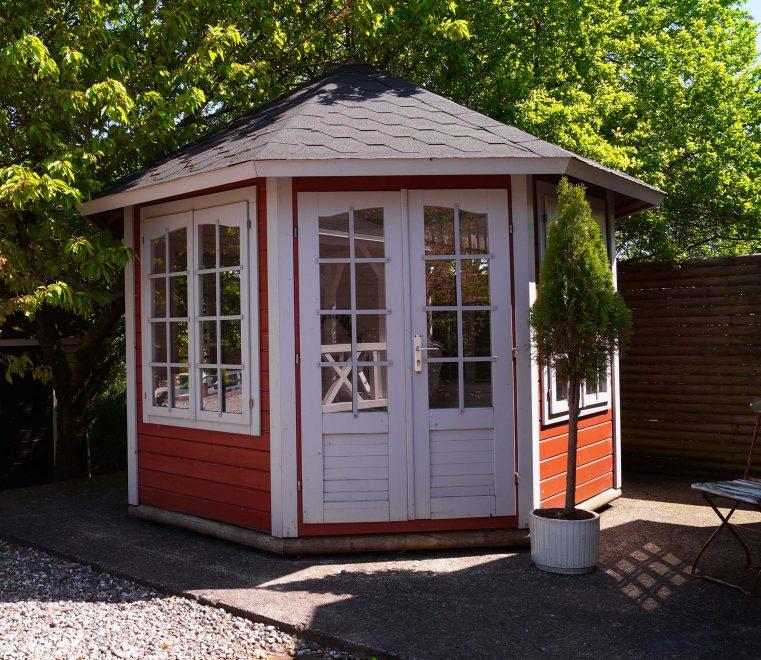 Carmen 92 m2 pavilion med 4 vindues partier i termoglas er en kvalitets pavilion fra sølundhuse.dk