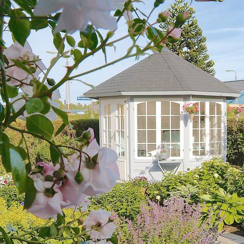 Ingrid havepavillon indsendt af kunde. Findes på www.solundhuse.dk køb havepavillon i træ hos os