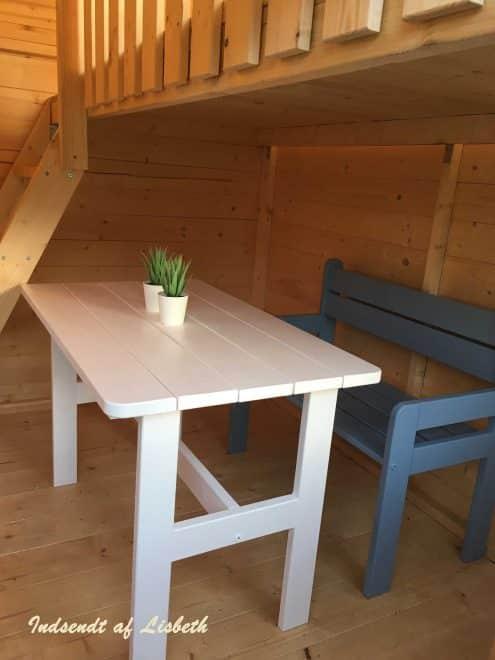 Lille Marie legehus i træ med hems fra www.sølundhuse.dk