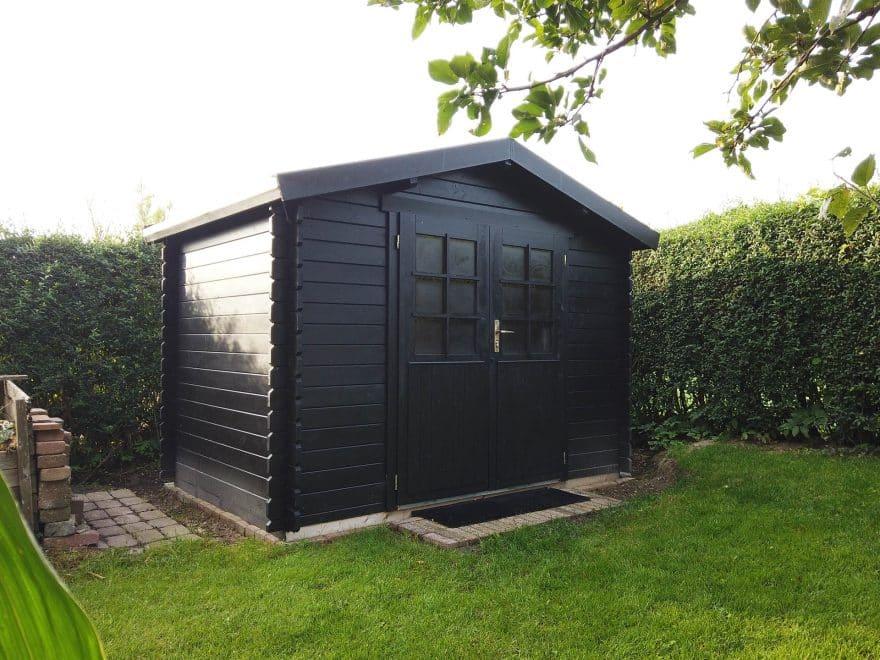 klassisk og billigt haveskur på 5 m2 fra www.solundhuse.dk