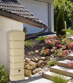 Køb regnvandsbeholder hos solundhuse.dk som denne 300l kvalitets regnvandsbeholder