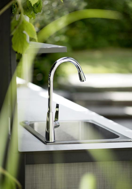 Vandhane fra luksus udekøkken fra Sølund Huse