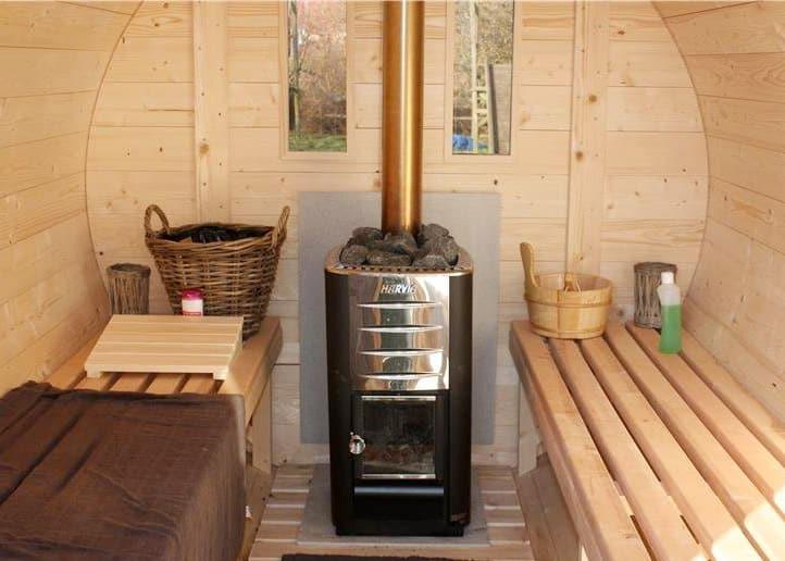 sauna tønde set indefra kan købes hos www.sølundhuse.dk