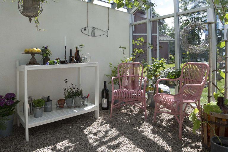 udendørs arbejdsbord i træ fra Solundhuse.dk
