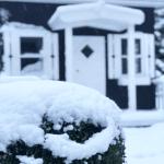 køb legehus i træ fra sølund huse et legehus med hems og terrasse