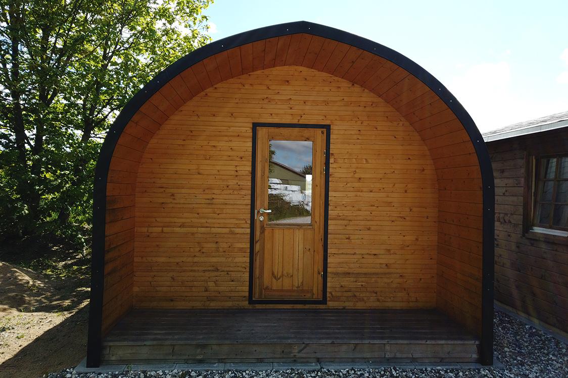 bjælkehytte råd og vedligeholdelse. Denne modulbyggede bjælkehytte er nem at vedligeholde og du kan læse mere på www.sølundhuse.dk