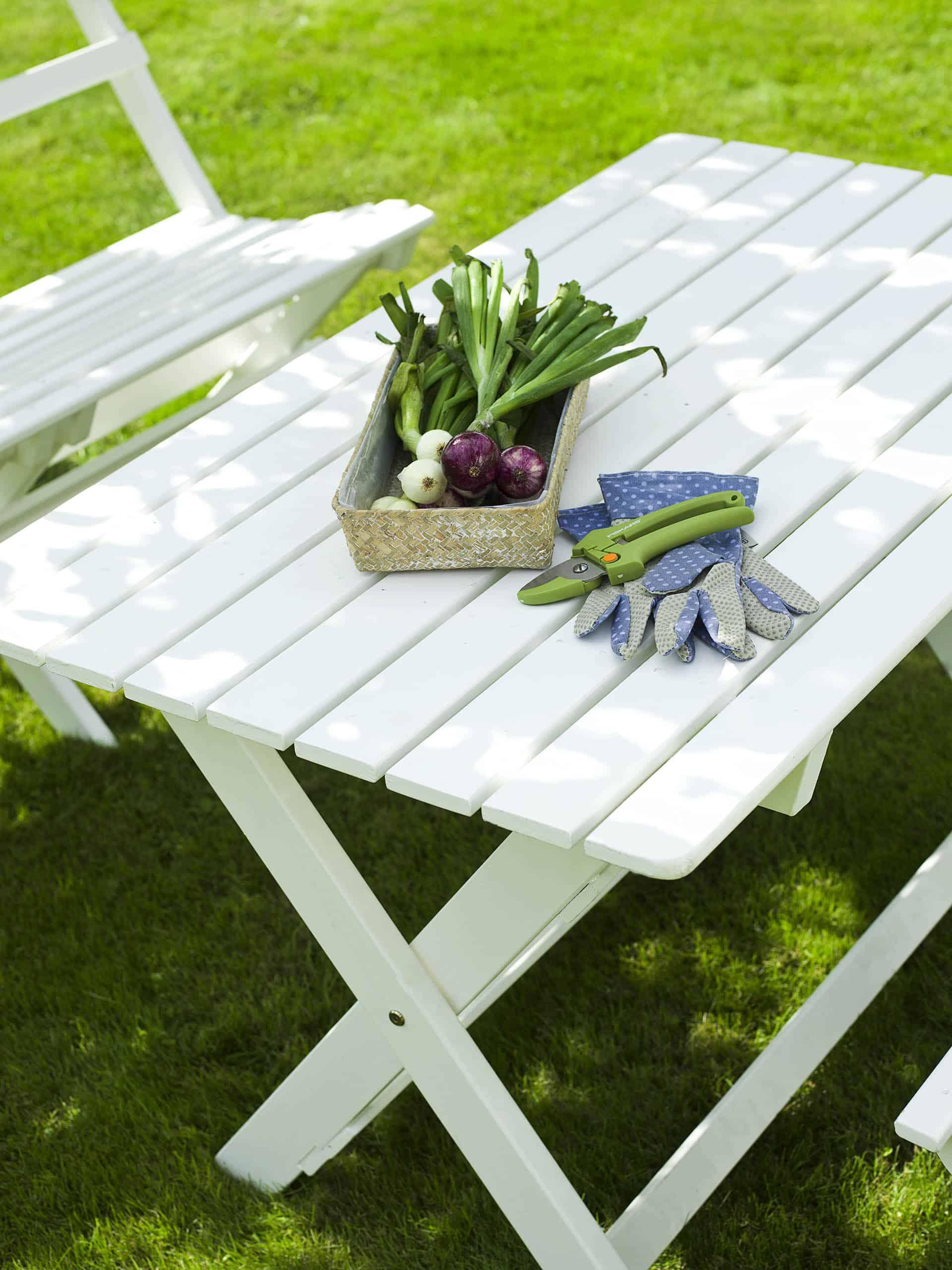 Smukt havemøblesæt fra www.sølundhuse.dk
