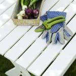 havemøbel i træ se dette bord hos fra www.sølundhuse.dk