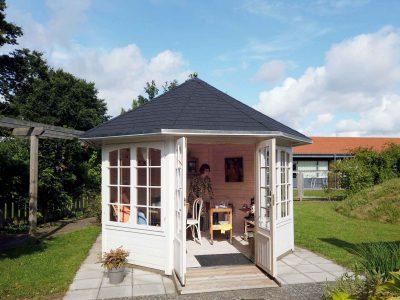 Pavillon plejehjem kan du købe hos sølund.dk