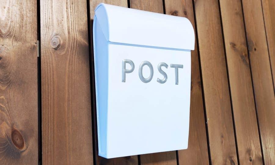Postkasse til børn i hvid fra sølund huse