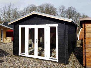 Sølund Huse solveig 10 m2 stråtækt pavillon i træ