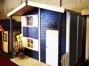 Lille Lone legehus et stort legehus med hems
