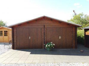 Stor dobbelt garage på 28m2 finder du i Sølund Huse's udstillinge eller på www.sølundhuse.dk