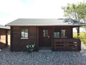 27,6 m2 Annelise 3 kolonihavehus kan ses i udstillingen hos Sølund Huse eller på www.solundhuse.dk