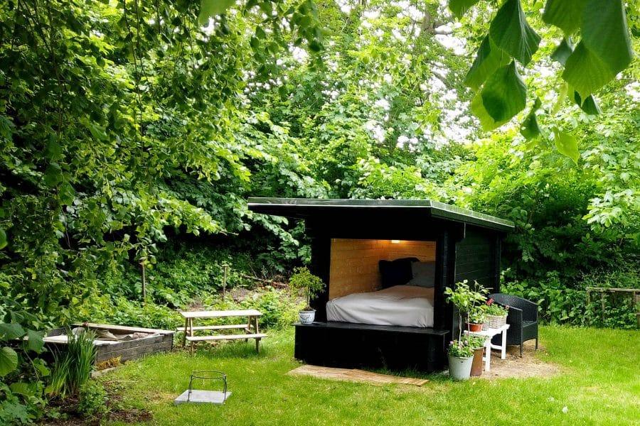 luksus træ shelter til haven fra www.sølundhuse.dk