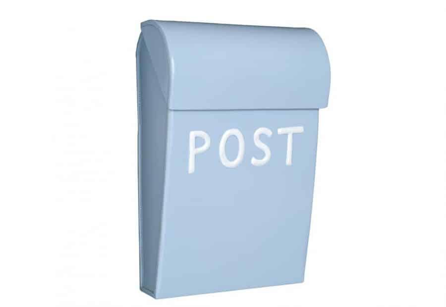 lyseblå postkasse til børn fra sølund huse