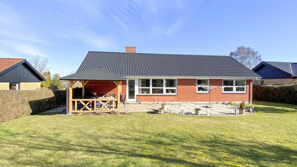 pergola pavillon fra sølundhuse.dk kunde billede