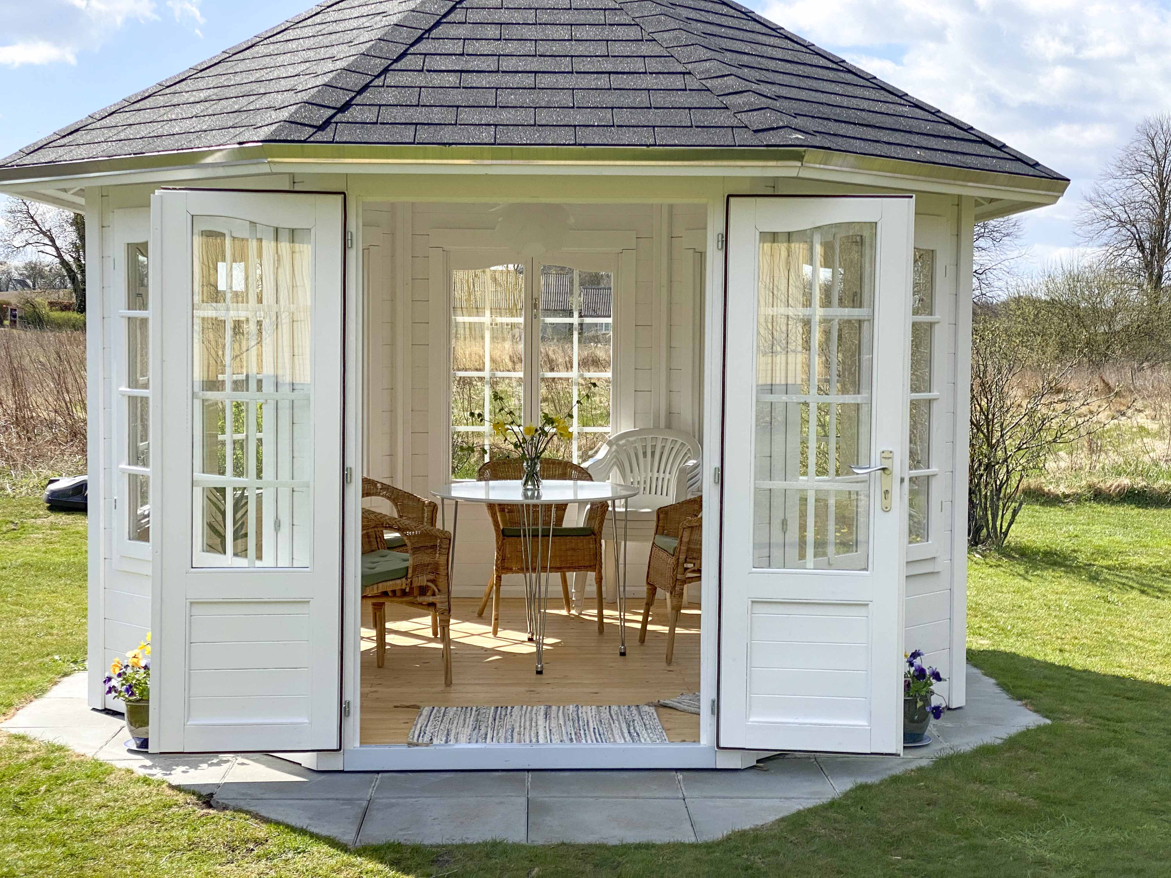 Carmen havepavillon hvid fra www.sølundhuse.dk