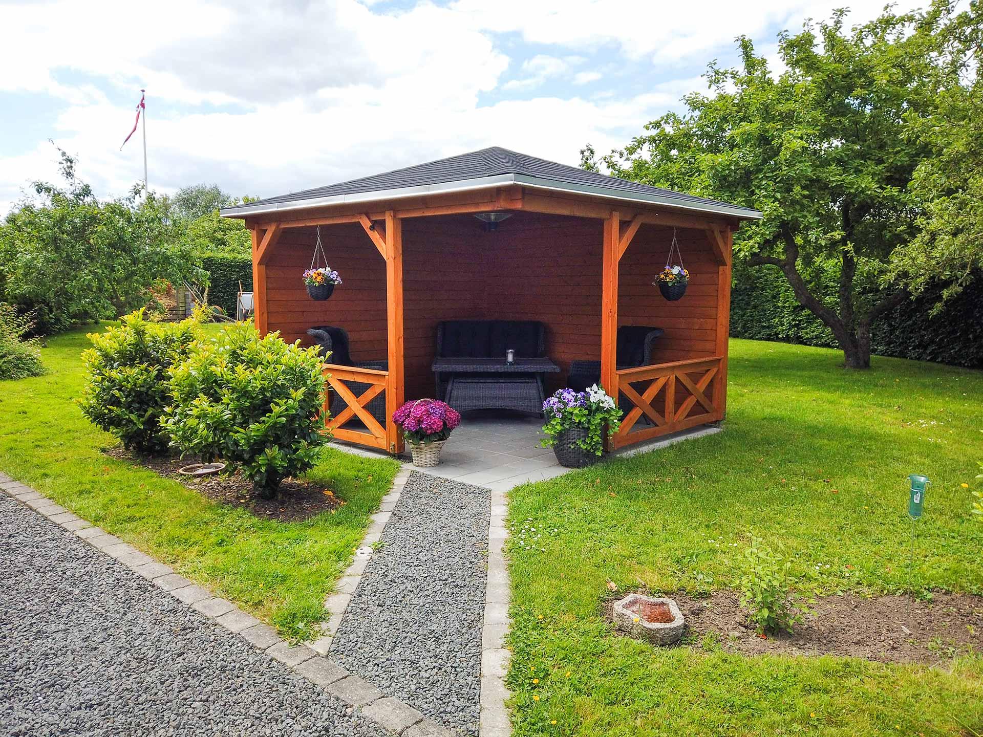 pavillon træ fra www.sølundhus.dk