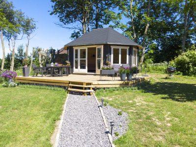 Stor havepavillon fra www.sølundhuse.dk denne store pavillon er blevet opført på en solid træ terrasse