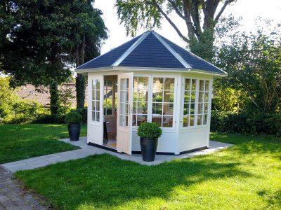 Magrethe pavillon er inspiration til haven se mere hos Sølund Huse